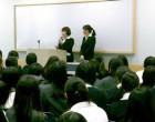 高校1年生文系 001教室で卒業生講演会