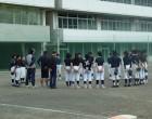 校庭ではソフトボールの練習