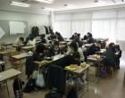高1 各教室でクエストのグループワーク